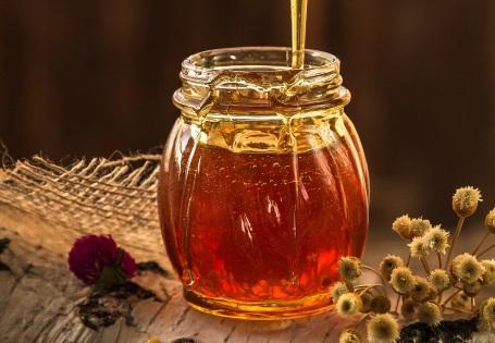 Hochwertiges Olivenöl mit Honig