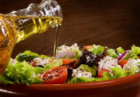 Gesundes Olivenöl für kalte Speisen