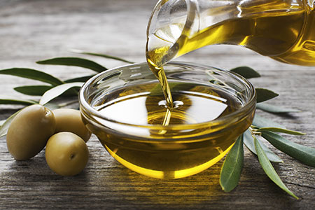 Genießen Sie hochwertiges Olivenöl pur