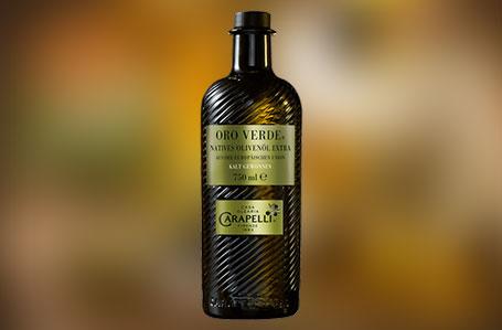 Mit gesundem Olivenöl japanischen Spinat genießen