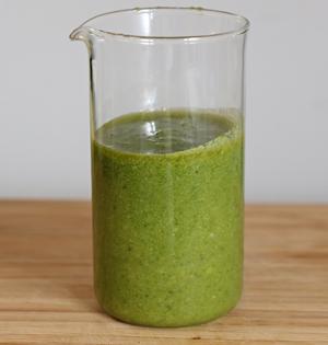 Selbstgemachtes grünes Pesto