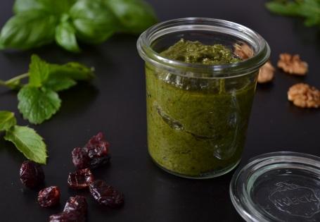 Pesto Rezept mit gesundem Olivenöl